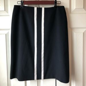 Professional Nine West skirt